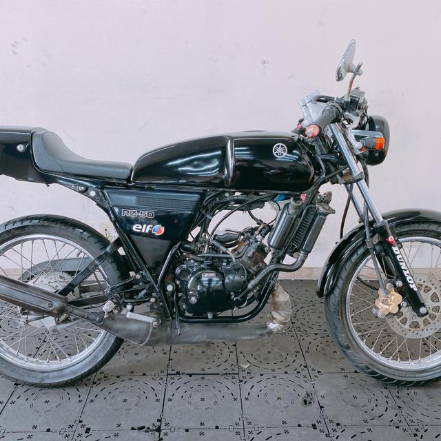 ヤマハ(ヤマハ)のYAMAHA RZ50 2サイクル カスタム エンジン良好 早い者勝ち 福岡 自動車/バイクのバイク(車体)の商品写真