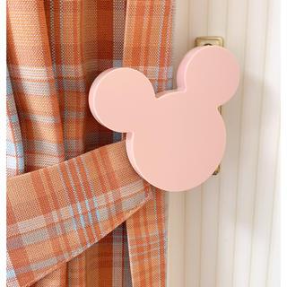 ディズニー(Disney)の未開封✨ミッキーのカーテンホルダー ピンク♡♡ (カーテン)