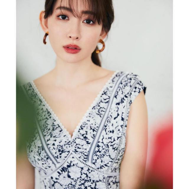 snidel(スナイデル)のHer lip to🌿Lace Trimmed Floral Dress レディースのワンピース(ロングワンピース/マキシワンピース)の商品写真