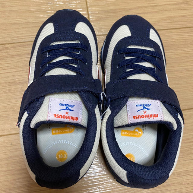 mikihouse(ミキハウス)のミキハウス × ミズノ ネイビー 18cm キッズ/ベビー/マタニティのキッズ靴/シューズ(15cm~)(スニーカー)の商品写真