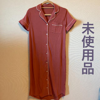 ジーユー(GU)のカットソー パジャマ ワンピース 半袖 Sサイズ(パジャマ)
