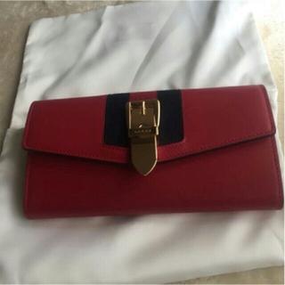 グッチ(Gucci)のGUCCI シルヴィコンチネンタルウォレット 長財布(長財布)