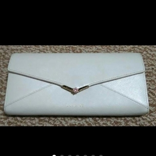 ヨンドシー(4℃)のルリアヨンドシー長財布ホワイトレター型財布(長財布)