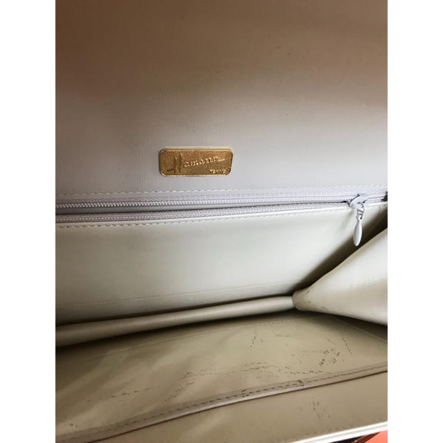 濱野皮革工藝/HAMANO(ハマノヒカクコウゲイ)の綺麗 ハマノ フォーマルバッグ HAMANO ハンドバッグ レザー オフホワイト レディースのバッグ(ハンドバッグ)の商品写真