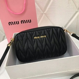 miumiu - 美ミュウミュウ ショルダーバッグ ハンドバッグ 美品