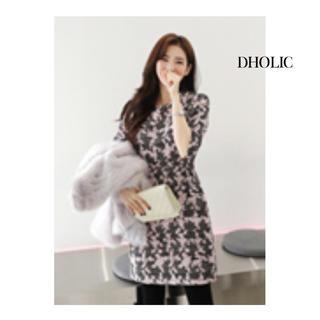 ディーホリック(dholic)の【美品】DHOLIC フローラルミニワンピース【韓国ファッション好きにおすすめ】(ミニワンピース)