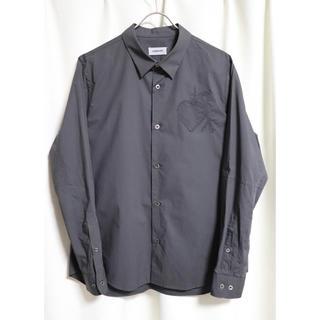 UNDERCOVER - UNDERCOVER シャツ アンダーカバー  ハート刺繍