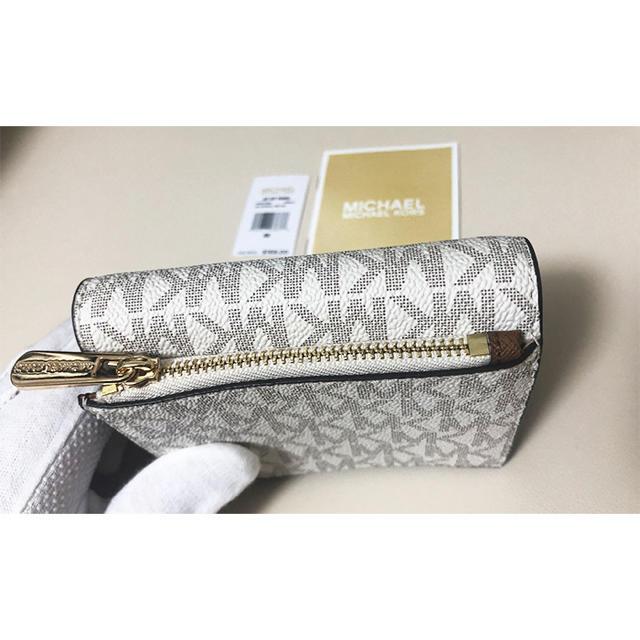 Michael Kors(マイケルコース)のCARRYALL MD CARD CASE 二つ折り財布 レディースのファッション小物(財布)の商品写真