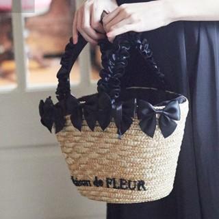 メゾンドフルール(Maison de FLEUR)の【美品】メゾンドフルール リボン付きかごバッグ(かごバッグ/ストローバッグ)