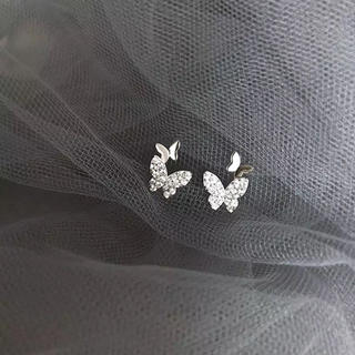 AHKAH - micro pave papillon pierce ◯s925 post