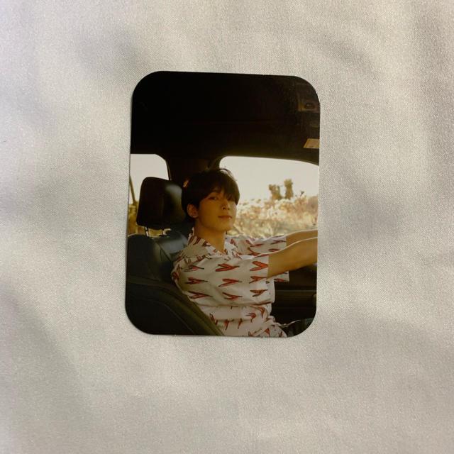 SEVENTEEN(セブンティーン)のウォヌ  トレカ エンタメ/ホビーのタレントグッズ(アイドルグッズ)の商品写真