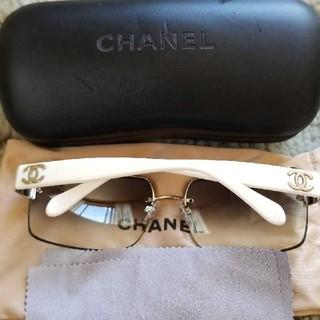 シャネル(CHANEL)のCHANEL ホワイトグラデーション サングラス4107-B(サングラス/メガネ)