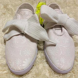 adidas - 【新品未使用】adidas  リレースロー 花柄 23.5cm 替紐つき