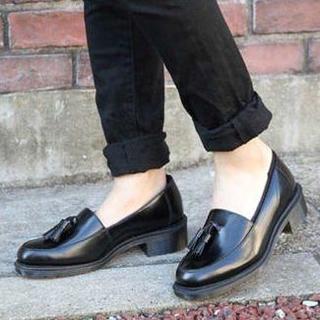 ドクターマーチン(Dr.Martens)の【着用イメージ】Dr.Martens FAVILLA UK3 タッセルローファー(ローファー/革靴)