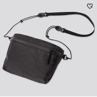 ユニクロ(UNIQLO)の新品未使用 ユニクロ ライトウェイトファニーバック ブラック(ショルダーバッグ)
