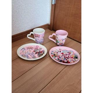 フシギノクニノアリス(ふしぎの国のアリス)の東京ディズニーランド ふしぎの国のアリス プレート マグカップ セット(グラス/カップ)