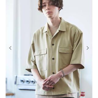 ハレ(HARE)のMONO-MART TRストレッチ スーツ地 オーバーサイズドレープCPOシャツ(シャツ)