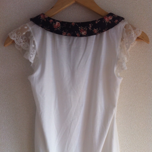 LIZ LISA(リズリサ)のLIZLISAノースリーブトップス レディースのトップス(カットソー(半袖/袖なし))の商品写真