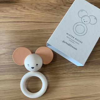 キャラメルベビー&チャイルド(Caramel baby&child )のgarbo&friends 木製 ラトル おもちゃ(がらがら/ラトル)