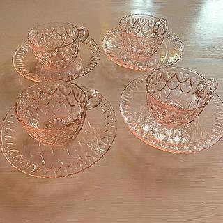 トウヨウササキガラス(東洋佐々木ガラス)の東洋ガラス シャンゼリゼ レトロピンクハート柄 カップ&ソーサー 4客セット(食器)