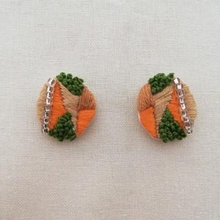 刺繍ピアス だ円 オレンジ、グリーン(ピアス)