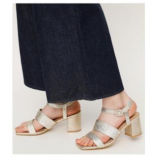 スライ(SLY)のSLY gold sandal L(サンダル)