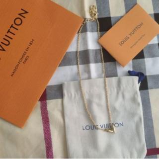 ルイヴィトン(LOUIS VUITTON)のエセンシャルV レディースネックレス(ネックレス)