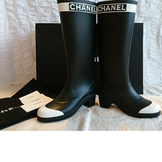 シャネル(CHANEL)のCHANEL・新品・レイン ブーツ黒白37・シャネル 長靴 ラバー(レインブーツ/長靴)