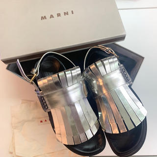 マルニ(Marni)の11万 MARNI サンダル 新品 シルバー メタリック  フリンジ(サンダル)