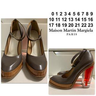 マルタンマルジェラ(Maison Martin Margiela)のメゾンマルジェラ ダークブラウンレザー クリアデザインヒール パンプス(ハイヒール/パンプス)