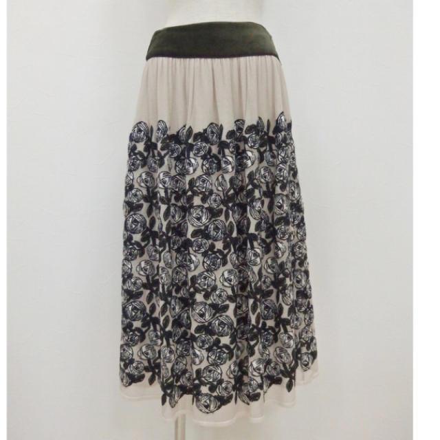 mina perhonen(ミナペルホネン)の新品 ミナペルホネン rosy チュールスカート 38 レディースのスカート(ロングスカート)の商品写真