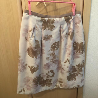 ジャスグリッティー(JUSGLITTY)のJUSGLITY ジャスグリッティー 花柄 スカート(ひざ丈スカート)