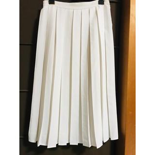 ジーユー(GU)の白いプリーツスカート(ひざ丈スカート)