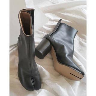 マルタンマルジェラ(Maison Martin Margiela)のMaison Margiela マルジェラ 足袋 足袋ブーツ 37(ローファー/革靴)