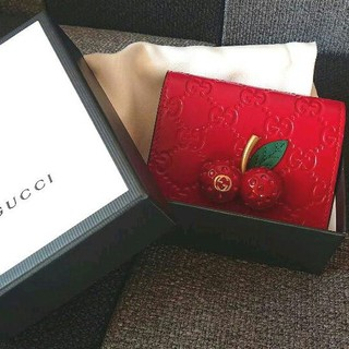 グッチ(Gucci)の★超美品★GUCCI チェリー二つ折り財布(折り財布)