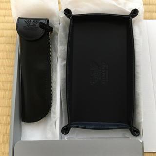 濱野皮革工藝のペンケースとペン皿