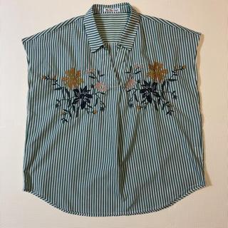 シマムラ(しまむら)のグリーン 刺繍 半袖ブラウス(シャツ/ブラウス(半袖/袖なし))