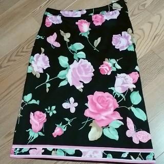 レオナール(LEONARD)のレオナール とびきり素敵な花柄のスカート 数回着用美品(ひざ丈スカート)