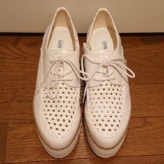 リゾイ(REZOY)のR&E  REZOY  オックスフォード ホワイト(ローファー/革靴)