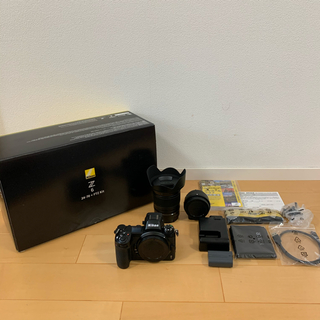 ニコン(Nikon)の極美品 Nikon Z6 24-70+FTZ マウントアダプターキット(ミラーレス一眼)