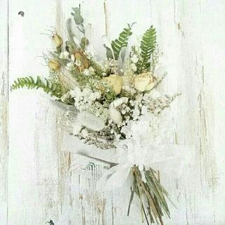 📍tomoringo様専用ページ 『ばらと白い小花のホワイト系スワッグ』(ドライフラワー)