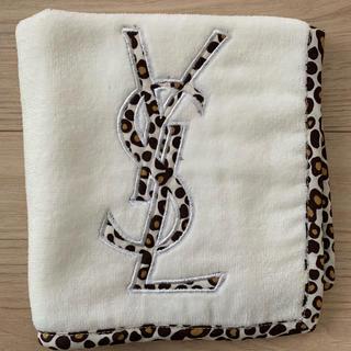イヴサンローランボーテ(Yves Saint Laurent Beaute)の【新品】イブサンローラン タオルハンカチ(ハンカチ)
