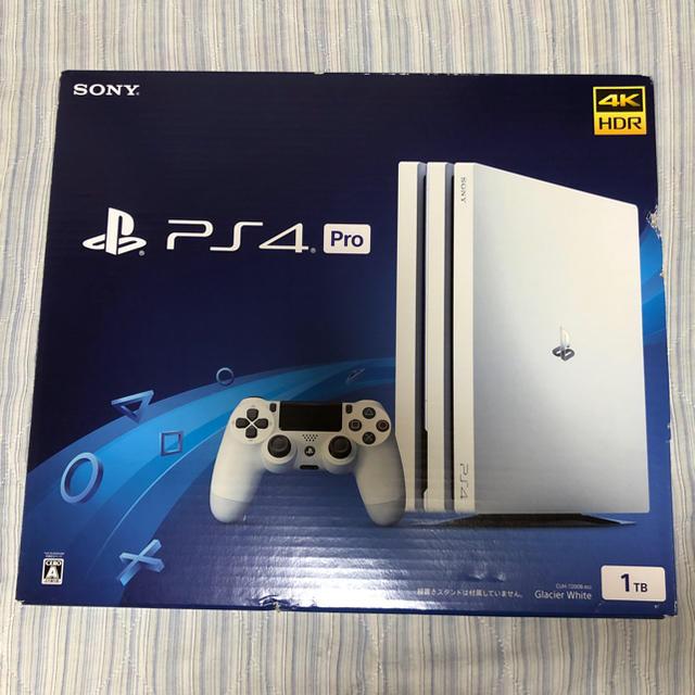 PlayStation4(プレイステーション4)のPS4 Pro ホワイト 1TB エンタメ/ホビーのゲームソフト/ゲーム機本体(家庭用ゲーム機本体)の商品写真