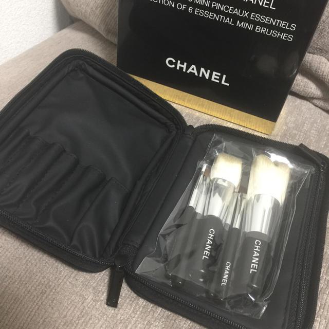 CHANEL(シャネル)のCHANEL コフレ ブラシ&ポーチ コスメ/美容のキット/セット(コフレ/メイクアップセット)の商品写真