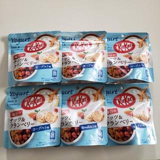Nestle - ネスレ  キットカット ナッツ&クランベリー
