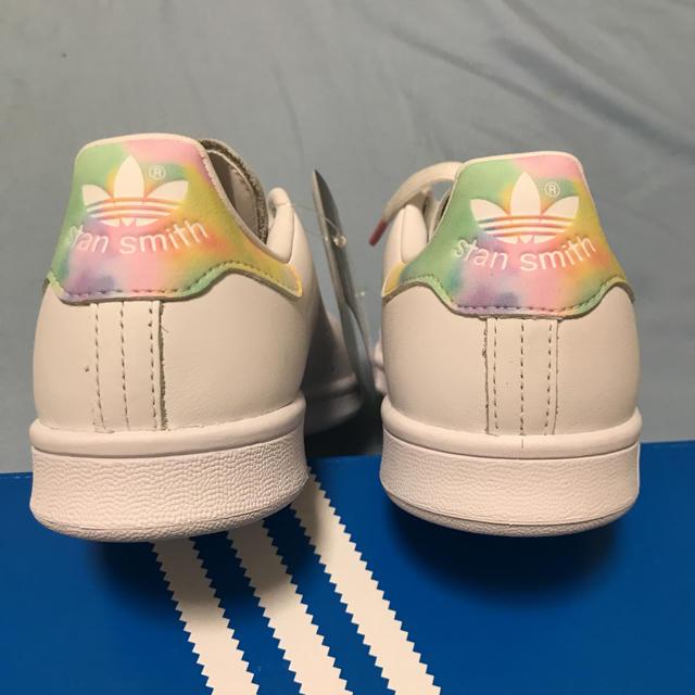 adidas(アディダス)のスタンスミス 23.5 レディースの靴/シューズ(スニーカー)の商品写真