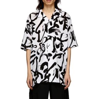 ジョンローレンスサリバン(JOHN LAWRENCE SULLIVAN)のKOZABURO 19ss caligracamo boxy-fit shirt(シャツ)