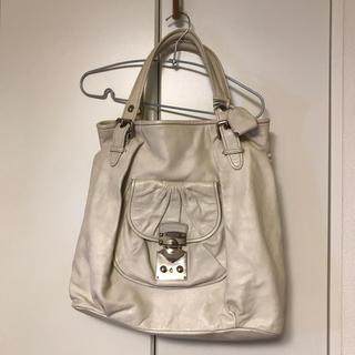 ミュウミュウ(miumiu)のミュウミュウ 白 レザートートバッグ (トートバッグ)
