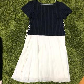 クチュールブローチ(Couture Brooch)のワンピース 紺×ストライプ プリーツ(ひざ丈ワンピース)