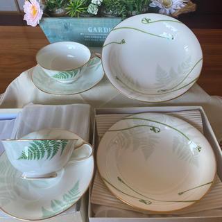 ノリタケ(Noritake)のノリタケ グラン・ヴェール 萌黄野 ティカップ&ソーサー スープ シチュー皿(食器)